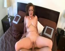 Dacia Logan - 50Plus Milfs